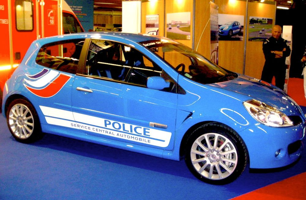 AA41 • Renault Clio 3 RS Police