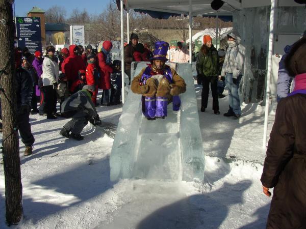 <P>Fête des neiges de montréal 2005.<BR>Yoplait, tubes , glissades, chien de traineau, etc.</P>