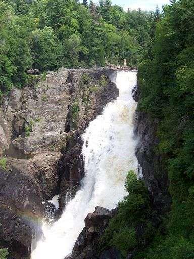 <P>Photos de Quebec, Toronto, Ottawa, chutes du Niagara...</P>
