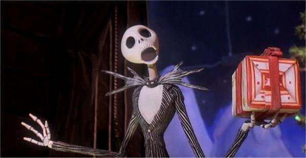 The Nightmare Before Christmas ( L'&eacute&#x3B;trange Noel de Monsieur Jack). C'est surtout du Danny Elfman (compositeur, chanteur qui pr&ecirc&#x3B;t sa voix &agrave&#x3B; Jack et &agrave&#x3B; plusieurs personnages) &eacute&#x3B;tant donn&eacute&#x3B; que ce film est surtout musical. Un petit chef d'oeuvre d'une heure quinze ou Jack, la star d'halloween, le roi des citrouilles (Pumpkins King) d&eacute&#x3B;couvre le monde merveilleux de Christmas Land.