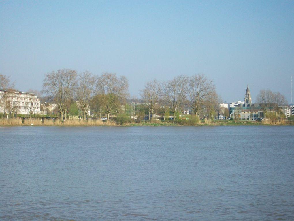 Une tournée de Bordeaux de Mérignac à Bordeaux centre en passant par Lormont, les Aubiers, Bacalan et les Chartrons.