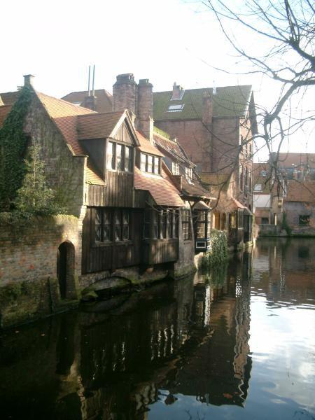 <P><FONT color=#0080ff><EM>Quelques photos de Bruges la morte ou la venise de nord... prise lors de nos noces de Coton le 27décembre 2004</EM></FONT></P>