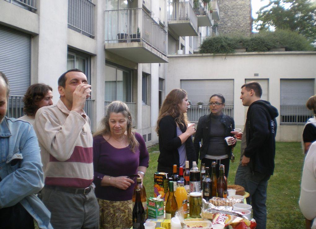 RESIDENCE TORCY EVANGILEQuelques clichés pris lors des différents apéritifs de la résidence depuis 2002...et des diverses actionsorganisées dans la résidence.