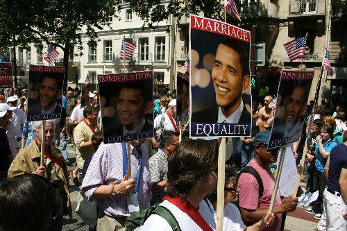 Quelques photos choisies parmi plusieurs centaines d'autres pour illustrer la Marche des Fiertés LGBT 2009 à Paris (Images copyright@al1web)