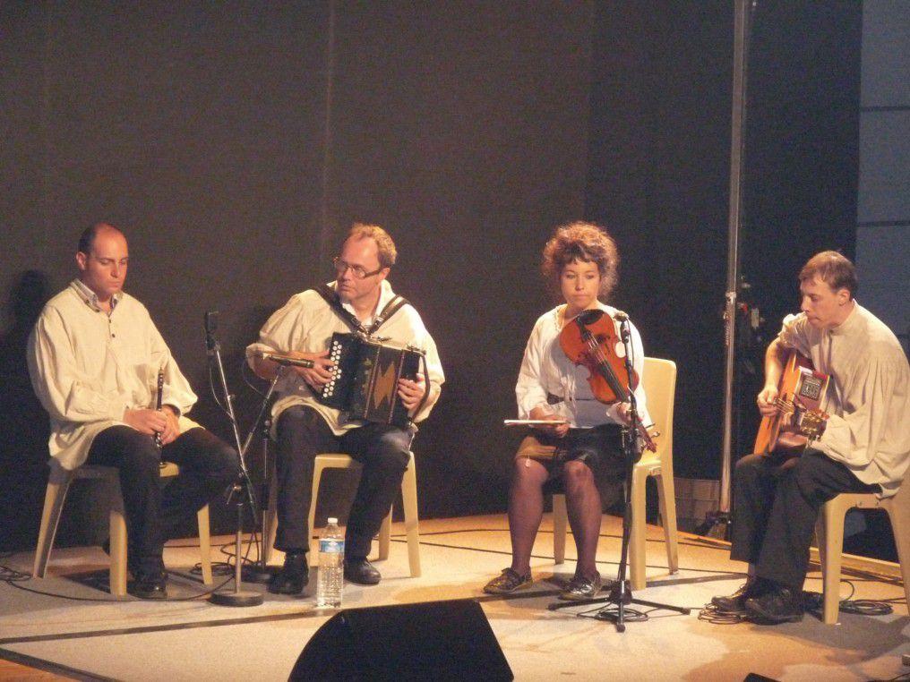 Festival international de Felletin (Creuse) - août 2010. Merci à Nathalie pour les photos.