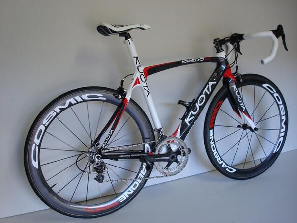 "Des v&eacute&#x3B;los pas mal...<br /> <span style=""font-style: italic&#x3B;"">Not ugly bikes...</span>"