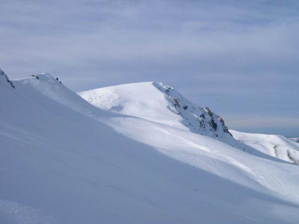<P>En ce début Janvier 2005, l'enneigement était assez faible dans le Sancy, le soleil et la douceur (en journée seulement)&nbsp&#x3B;reignaient en maître...</P><P>Les choses ont bien changé par la suite (voir les différents articles) avec l'arrivée de la neige en abondance !<BR></P>