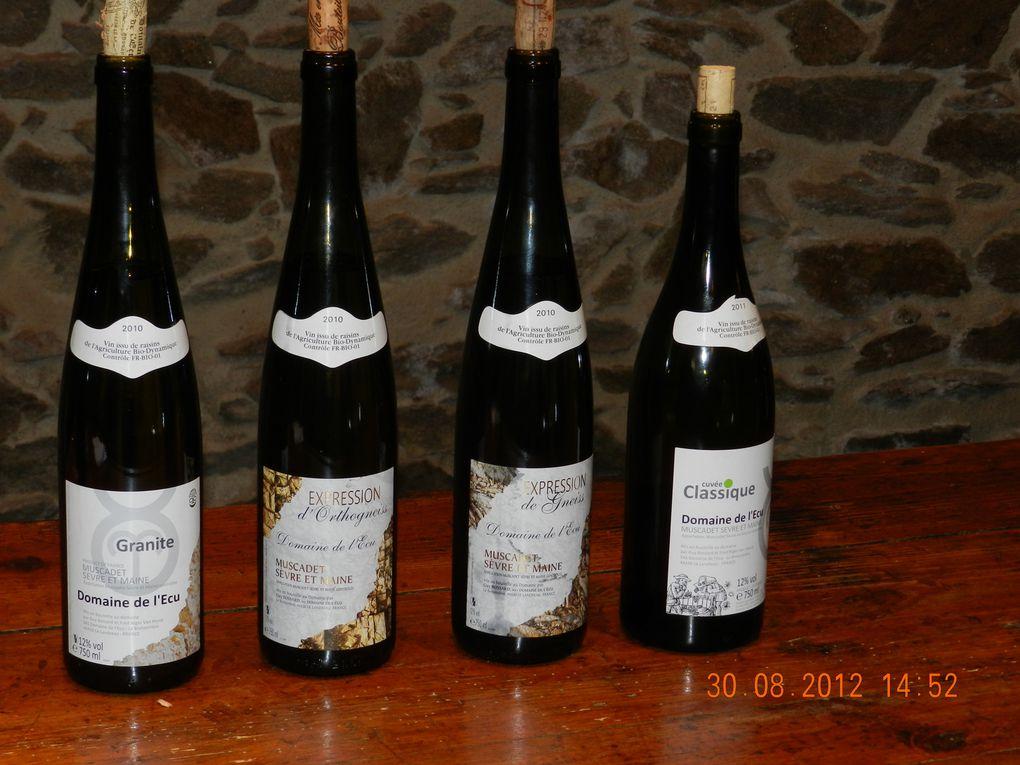 repas chez Coutenceau à la Rochelle et visite de vignerons: domaine de l'Ecu, domaine Huet, domaine Foreau, domaine Lenoir