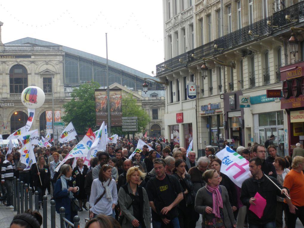 Photos de la manifestation pour l'emploi et les retraites du 27 mai 2010 à Lille.