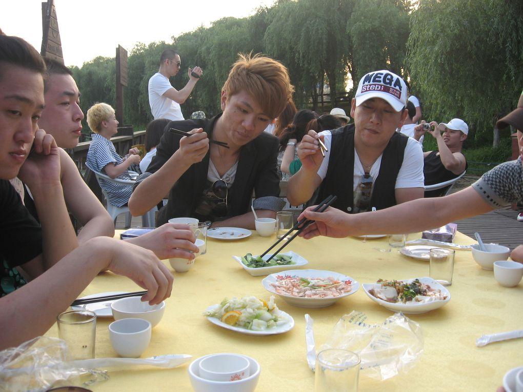 journée de team building au bord du lac Taihu avec tout le personnel de la boite. 24/05/2010