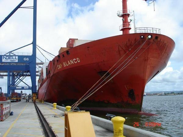 <p><strong>Voici un echantillons de photo de mon voyage en cargo, sur le porte container Cap Blanco...<br />Un voyage en cargo que je recommande à tous ceux qui veulent voir un autre monde, celui de la marine marchande internationnale, celui des