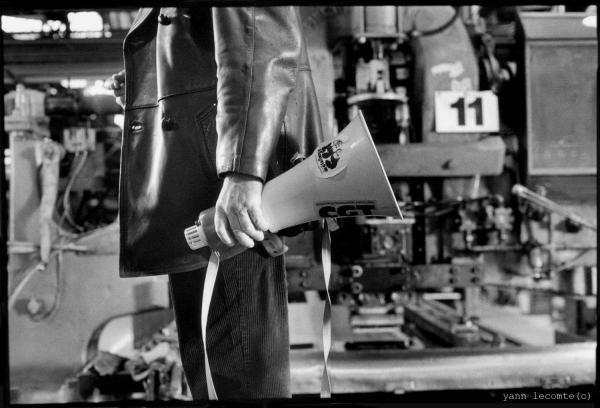 """<P>Photos du film """"<U>De père en fils</U>"""", reportage et plan film</P><P>Moyen métrage réalisé par <U>Christophe Restiau</U> </P><P><U>Boitier</U> : Fm2, <U>Pellicule</U> : TriX 400</P>"""