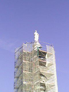 Quelques vues de la réfection de la statue du roi Louis XVI à Nantes (printemps 2013).