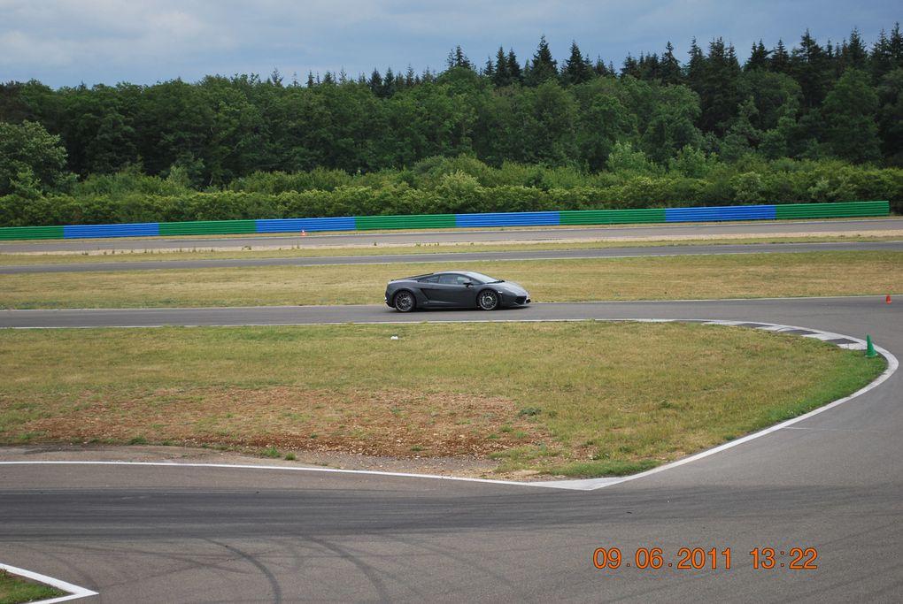 Grâce à Oscaro, j'ai pu conduire certaines des plus belles GT au monde sur le circuit de l'Ouest Parisien.