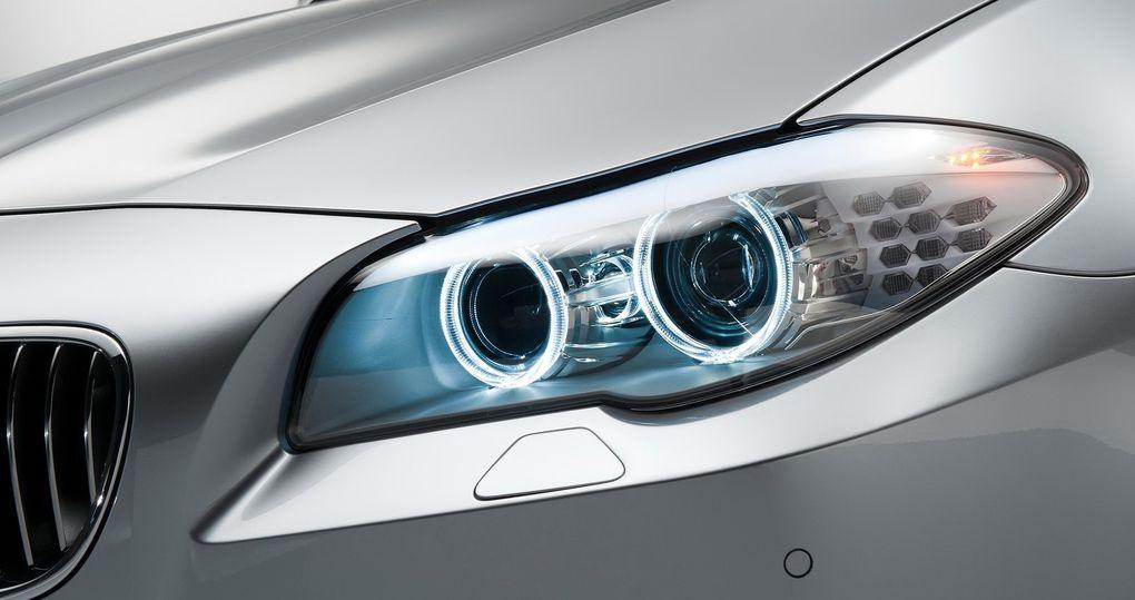 La nouvelle M5 abandonne son V10 pour un nouveau V8 bi-turbo plus puissant et moins gourmand. La concurrence en tremble déjà !