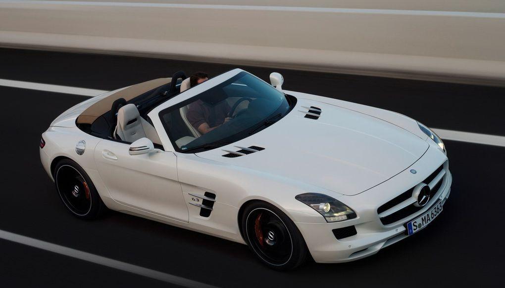 La supercar de Mercedes tombe le haut. L'opération a tout de même nécessité le remplacement des portes papillon par des portes à ouverture classique.