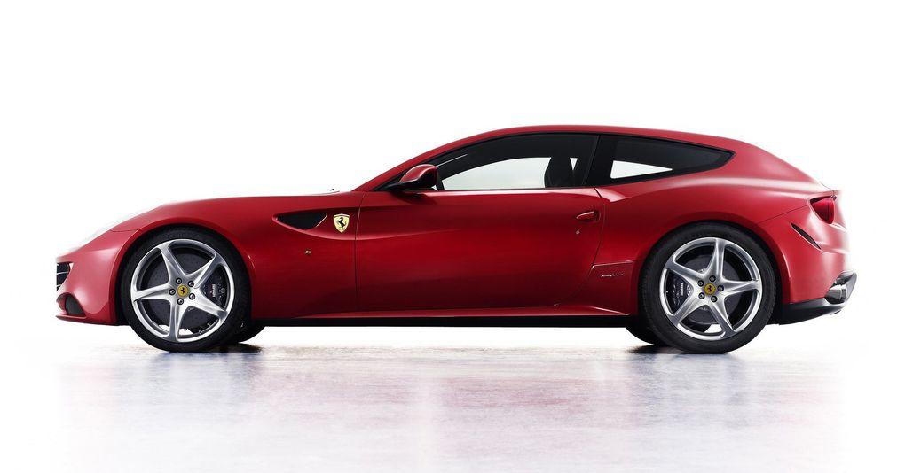 """La FF est la première Ferrari à quatre roues motrices, d'où son nom """"Ferrari Four"""".Son V12 de 6,3 litres grimpe à 700 ch."""