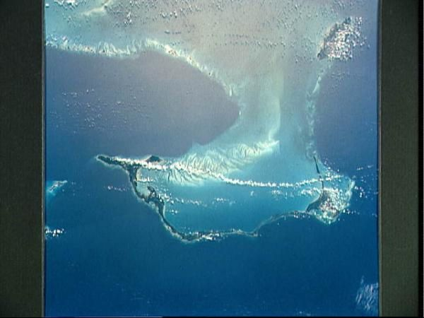 De belles photos ou dessins d'artistes vu d'espace, dans l'océan..