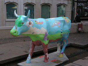 """<p><font color=""""#008000""""><strong>Vaches folles &agrave&#x3B; Gen&egrave&#x3B;ve&nbsp&#x3B;&nbsp&#x3B;&nbsp&#x3B;&nbsp&#x3B;&nbsp&#x3B;&nbsp&#x3B;&nbsp&#x3B;&nbsp&#x3B;&nbsp&#x3B;&nbsp&#x3B;&nbsp&#x3B;</strong><strong>Vacas locas en Ginebra</strong></font></p><p><strong><font color=""""#008000"""">&nbsp&#x3B;&nbsp&#x3B;&nbsp&#x3B;&nbsp&#x3B;&nbsp&#x3B;&nbsp&#x3B;&nbsp&#x3B;&nbsp&#x3B;&nbsp&#x3B;&nbsp&#x3B;&nbsp&#x3B;&nbsp&#x3B;&nbsp&#x3B;&nbsp&#x3B;&nbsp&#x3B;&nbsp&#x3B;&nbsp&#x3B;&nbsp&#x3B;&nbsp&#x3B;&nbsp&#x3B; Bovinoj frenezaj en Gxenevo</font></strong></p>"""
