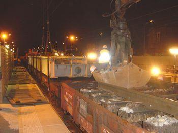 <p>Cet album présente de nombreuses phases de travaux tout au long de la ligne Bondy-Aulnay :passage souterrain en gare de Bondy, avec déposedes tabliers sousvoies etquais provisoires,travaux sur le pont au-dessus des voies du Paris-S