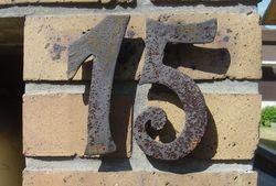 Un inventaire pas du tout exhaustif desnuméros des maisons et immeubles du Raincy.