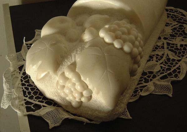 Sculptures sur marbre en taille directe.
