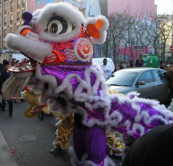 Nouvel an Chinois janvier 2006 Fêtes de La Chapelle place Torcy avant le concert juin 2006