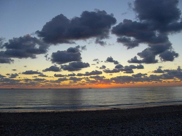 <strong><em>La plage du Havre &agrave&#x3B; la fin de l'&eacute&#x3B;t&eacute&#x3B; 2005.</em></strong>