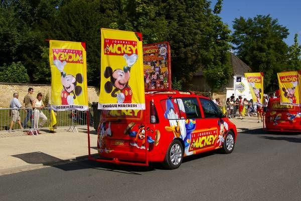 Caravane du Tour de France 2009 à Vatan.