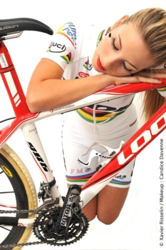 cycling babes photo album - More Nice Goodies