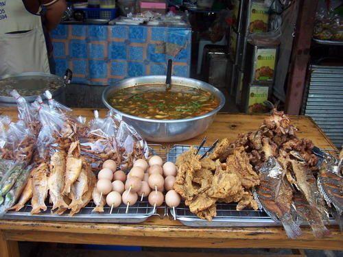 <p>March&eacute&#x3B; de Chiang Mai, Nord&nbsp&#x3B;de la Thailande,&nbsp&#x3B;fin Janvier 2007.</p>