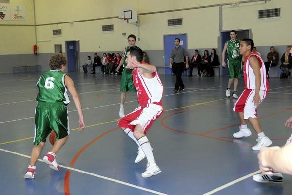 Mr Berjot a une nouvelle fois immortalisé une grande et  exceptionnelle journée de basket à Saint-Exupéry, le 02 février 2008, avec notamment les rencontres des Poussines face à Bron, des Minimes Garçons devant Communay, des Cadets contre St-R