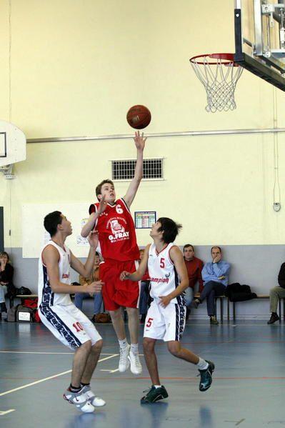 Photos de 3 Matches ayant eu lieu à Saint-Exupéry le 12/01/08 :- Minimes / BC Vaulx-en-Velin 2- Cadets / US Jassans 2- Seniors 1 / AS Collonges
