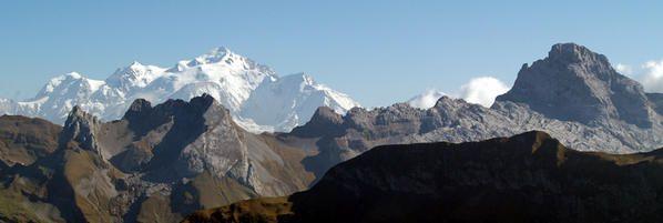 <p>quelques photos de montagne......du Mont Blanc aux Grand Jorasses en passant par la vall&eacute&#x3B;e Blanche et les Drus</p>