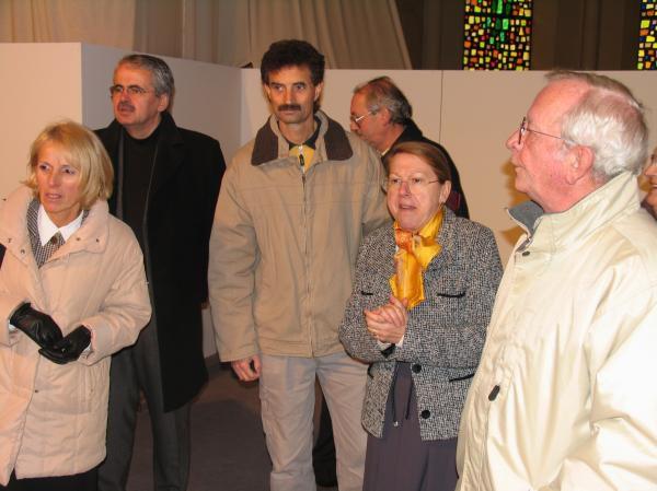"""Inauguration du """"forum des métiers de la sécurité"""", organisé par Action Plérin Entreprise, le 4 décembre 2004."""