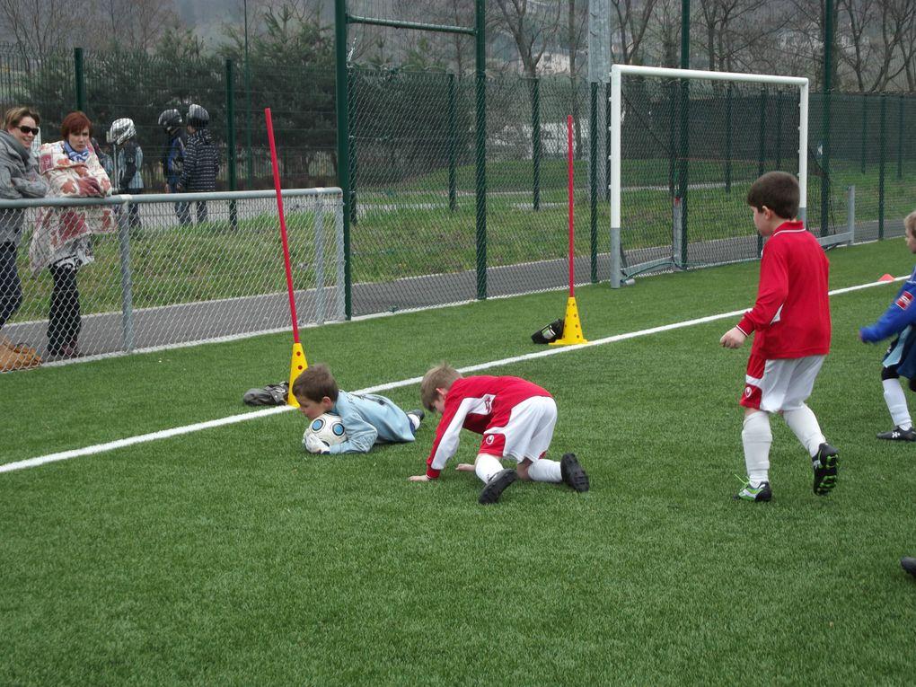 Esteban au FC Mercury (Foot) en U7 saison 2012/2013.Total de 7 buts sur la saison !