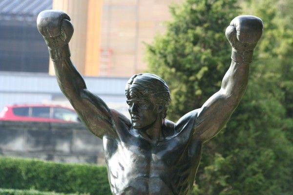 Une magnifique journée in streets of Philadelphia. Une belle cité chargée d'histoire (Signature de la déclaration d'indépendance!!) agréable de s'y ballader.Les fameuses marches de Rocky et sa statue...Et bien sur les Phillies, l'équipe de