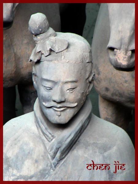Voici une sélection de mes photos prises lors de mes séjours en Chine. Vous trouverez dans cette galerie uniquement des vues en dehors de la ville de Pékin. Précisément Guilin, les tombeaux Ming et la Muraille de Chine, Xi'an...