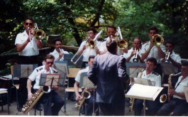 """Voici les divers trombonistes qui étaient à la Musique de la Flotte entre 1980 et 2002<br /><br /><a href=""""http://idata.over-blog.com/0/13/89/44/grande-photos/maurice3.jpg""""><img width=""""75"""" height=""""75"""" align=""""middle"""" src=""""http://fdata.over-blog.com/"""