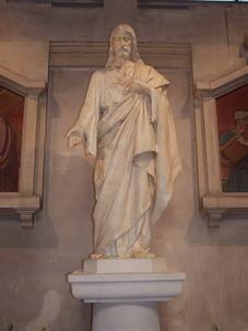 L'int&eacute&#x3B;rieur de notre Basilique: Nef Centrale,&nbsp&#x3B;les statues des chapelles lat&eacute&#x3B;rales, les vitraux, les mosa&iuml&#x3B;ques du parterre... et&nbsp&#x3B;L'Oratoire attenant...