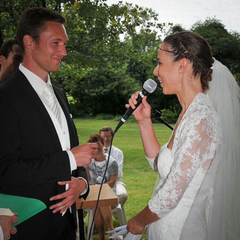 """Samedi 14 juillet 2012 à 16h dans un merveilleux jardin proche du """"paradis"""", le mariage d'Etienne et d'Aurélie... de jeunes et  vrais amis"""