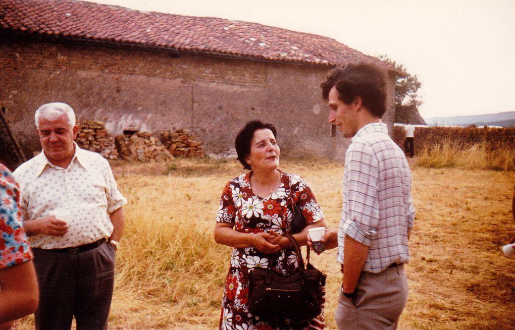 """Guy Pasquier et """"votre serviteur"""" avons été ordonnés diacres par Jean Rémond Evêque Auxiliaire de la Missioçn de France le 3 juillet 1976, en pleine canicule, au cours d'une Session de Formation des Jeunes de la Mission de France au Carmel de l"""