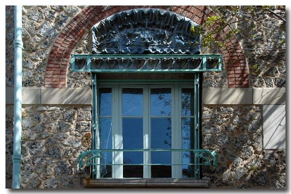 "<p><strong>Castel Béranger, Hector Guimard, Paris<br /></strong><a href=""http://www.maitrepo.com/article-6424810.html"" target=""_blank""><em><strong>-> Lire l'article associé</strong></em></a></p><p></p>"