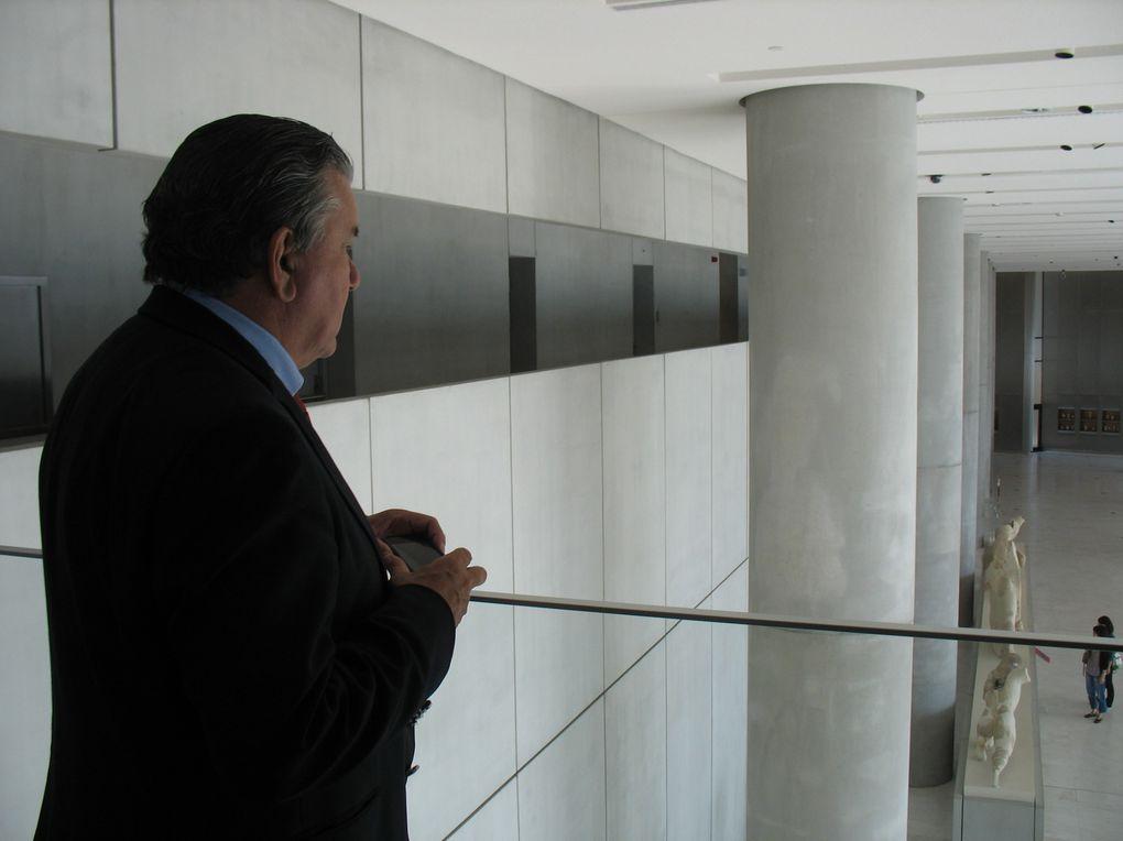 Visite du nouveau musée de l'Acropole, qui devrait inspirer notre musée de la Romanité