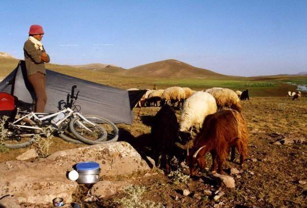 Photos prises sur la route lors du voyage en cyclo camping en turquie