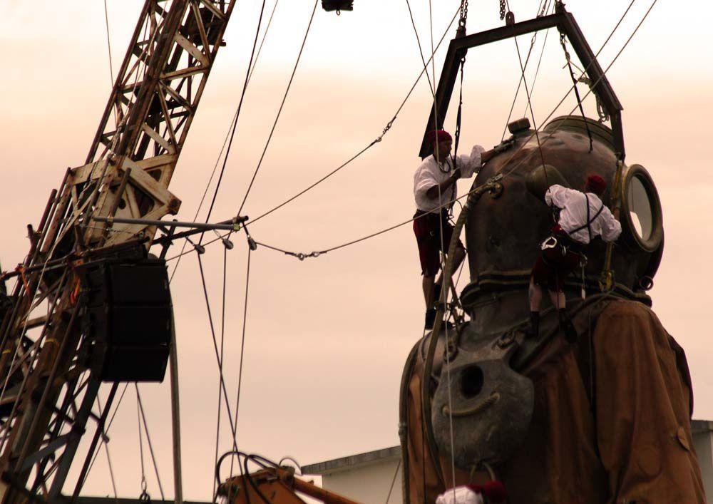Royal de Luxe Nantes 2009 - La Géante et le Scaphandrier - Vendredi 05 Mai 2009