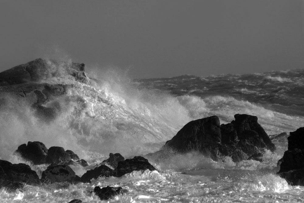 Tempête Atlantique en noir et blanc