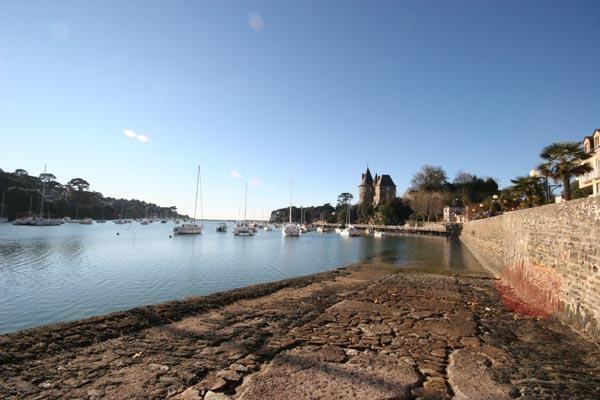 <p>Photos de Pornic - Sud Bretagne - Pays de Mardi 27 D&eacute&#x3B;cembre 2005&nbsp&#x3B; corniche de Gourmalon....<br /></p>