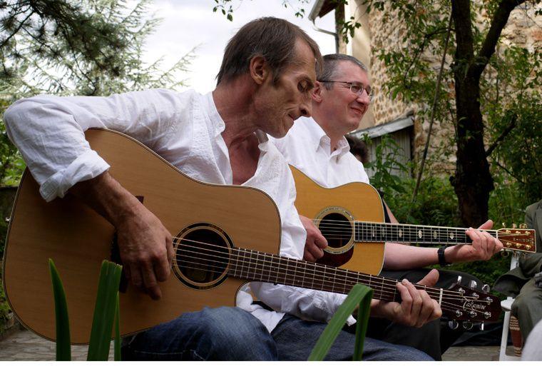 En mémoire de notre guitariste héros et ami.