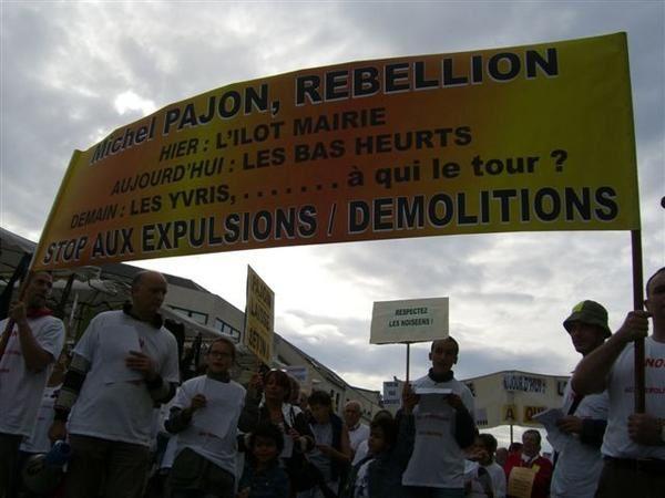 <p>Cette manifestation initi&eacute&#x3B;e par des associations de quartier a r&eacute&#x3B;uni les partis de Droite et de Gauche et de tr&egrave&#x3B;s nombreux Nois&eacute&#x3B;ens</p>